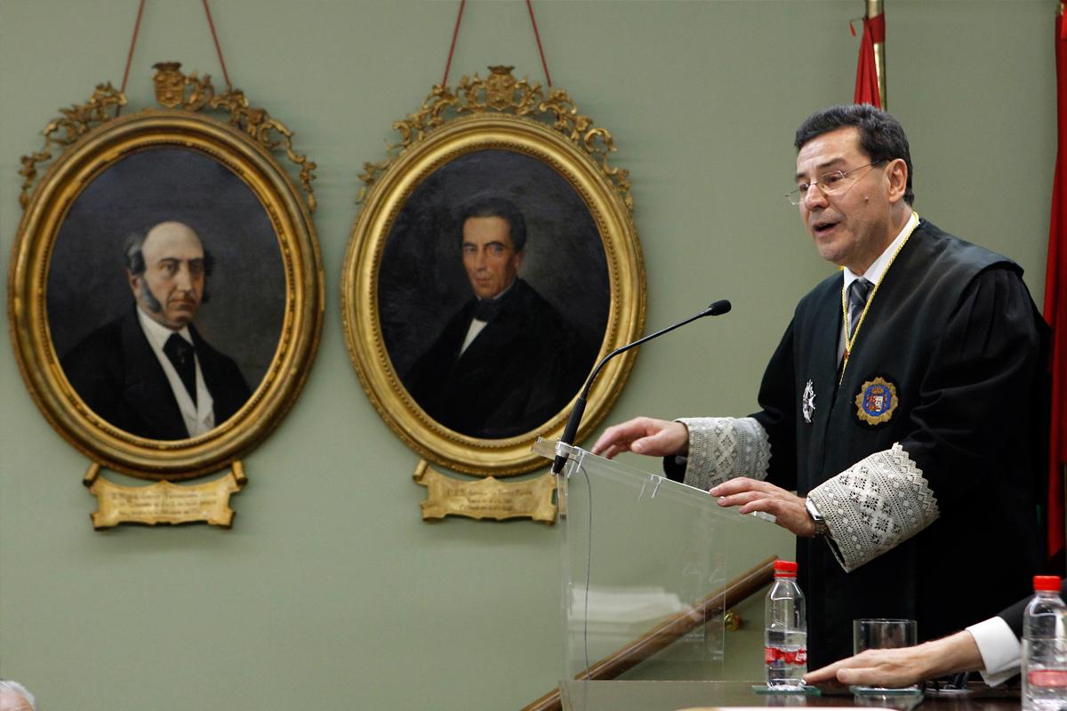 Otro momento de la lectura del discurso de ingreso como Académico de Número el Ilmo. Sr. D. José Requena Paredes, Presidente de la Sección Segunda de la Audiencia Provincial de Granada